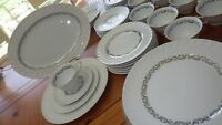 Vintage China Dinnerware Set Silver Wreath by Arcadian service 8 42 pcs USA NY