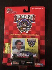 Darrell Waltrip Monte Carlo # 17 Western Auto 1/64 Racing Champions 1998 Nascar