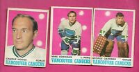 1970-71 OPC VANCOUVER CANUCKS GOOD CARD LOT  (INV# D1681)