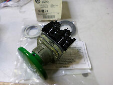 ALLEN BRADLEY- JUMBO GREEN PUSHBUTTON - 800TC-D1JA - 58MM DIA - 2 x N/O CONTACTS