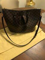 Louis Vuitton Authentic Siena MM Leather Shoulder Bag