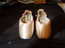 NEW FREED of London Ballet Pointe Slippers Sz 5 XXX Forteflex England Made E100