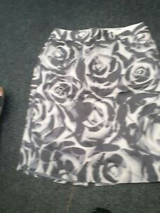 """banana republic"" ladies grey and white skirt sz 10 lined"