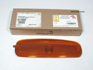 GM RIGHT SIDE MARKET LAMP CHEVY EXPRESS GMC SAVANA 1500 -2500 -3500 VAN 96 - 03