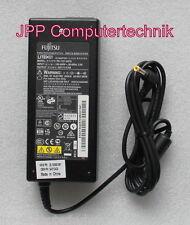 FSC Fujitsu 20V 6A 120W S26113-E534-V15-02 PA-1121-04FS Netzteil AC Adapter