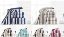 Asciugamani a righe per il bagno