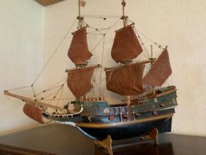 Handgemachtes antikes Holzschiff Modellschiff Segelschiff