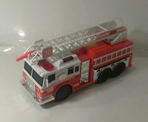 2016 TOYS R US FAST LANE FIRE TRUCK #38
