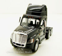 Freightliner Cascadia Tractor Black Day Cab Tandem Axle 1/87 HO Promotex 6509