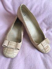 Stuart Weitzman Ballerina Flat Shoes Beige-tone Snakeskin Leather Sz - 7.5 M