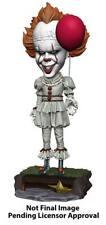Stephen Kings Es 2017 Head Knocker Wackelkopf-Figur Pennywise 20 cm - NECA