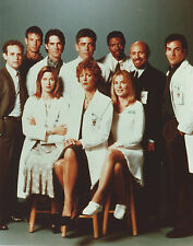 CHICAGO HOPE CAST 8 X 10 PHOTO WITH ULTRA PRO TOPLOADER