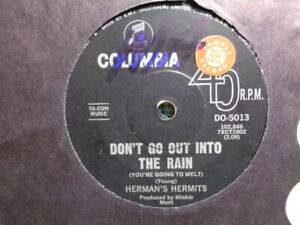 """Herman's Hermits """"Don't Go Out In The Rain"""" 1967 COLUMBIA Oz 7"""" PROMO 45rpm"""