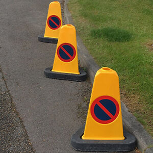 Pack of 6 - No Waiting / No Parking U.K Yellow Traffic Bollards ( 500mm )