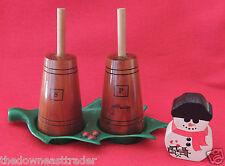 Wooden Butter Churn Salt & Pepper Shakers w/ Plastic Green Holly Leaf Base Maine