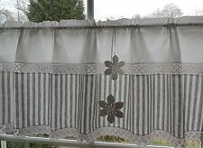 Blickdichte Scheibengardine grauweiß Klöppelspitze 2 Filzblumen 45cm hoch /Nr.26