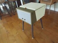 Vtg MAGNAVOX RECORD PLAYER PLAYFELLOW RESTORED TUBE AMP Watch it play