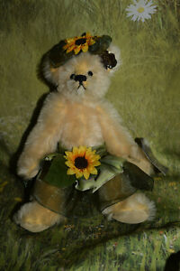"""Annette Funicello Bear - SUNNY BLOOMS - Mohair 9"""" tall Tags Beautiful 🤩"""
