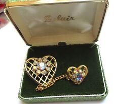 Belle Ancienne broche double coeur plaqué or bijou vintage cristaux boréalis 107