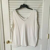 Jones New York Sleeveless White with Black Whipstitch Top Size 22