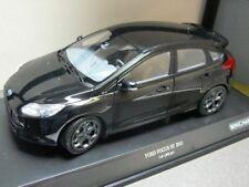 1/18 Minichamps Ford Focus ST 2011 negro metálico 110 082000