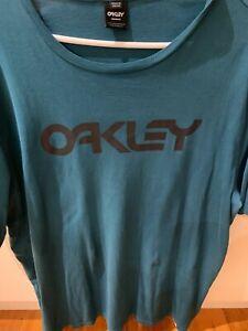 Men's  Oakley   T-Shirt Jade  Size XXL  Custom Fit Like New