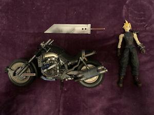 Playarts Final Fantasy VII Cloud and Hardy Daytona Action Figure!
