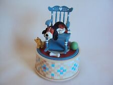 VINTAGE 1987 ENESCO MUSICAL BOX WITH CAT AND DOG SITTING ON A CHAIR FIGURINE WOR