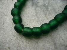 Strang Altglasperlen Recycled Glass Beads Ghana Krobo 10 - 11 mm smaragdgrün