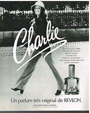 """Publicité Advertising 1975 Eau de Toilette et parfum """"Charlie"""" par Revlon"""