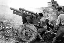 WWII photo US Marine Corps gunners firing from 105-mm M2A1 howit Okinawa war 14o