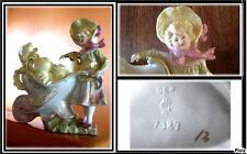 Charmant bouquetière porcelaine ancienne fillette à la brouette signé numéroté @