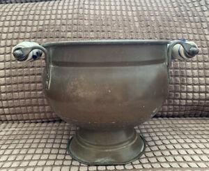 Vintage Brass Plant Pot Holder Indoor / Garden Planter Jardiniere Feet Handles