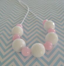 ***PINK & WHITE BEAD NECKLACE ~ NEW***