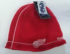 Detroit Red Wings Knit Beanie Toque Winter Hat Skull Cap Center Ice Reversible W