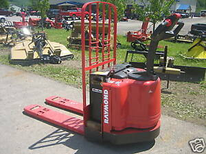 """2004 RAYMOND MODEL #111 WALK BEHIND 48"""" FORKS LB CAP WITH BATTERY & CHARGER , HD"""