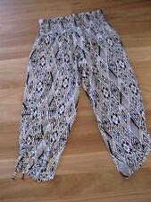 LADIES CUTE BLACK & WHITE VISCOSE ELASTICATED 3/4 CASUAL PANTS BY RIVERS SIZE 10