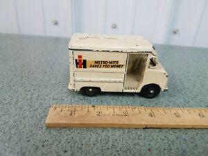 Vintage Metro Mite  INTERNATIONAL HARVESTER Delivery Van Bank