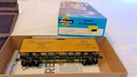Athearn HO Scale 40' Western Pacific PFE Refrigerator Box Car, Yellow, #36302
