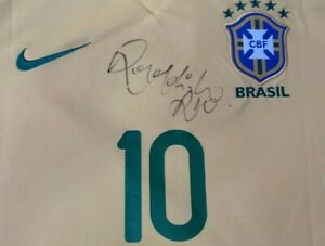 Original Ronaldinho signed BNWT BRAZIL 2013 home jersey camiseta camisa mailot