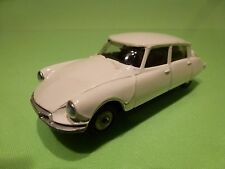 METOSUL CITROEN DS 19  - BROKEN WHITE 1:43 - GOOD CONDITION