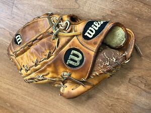 USED WILSON A2000 BASEBALL GLOVE LHT LEFT HANDED THROWING PITCHING