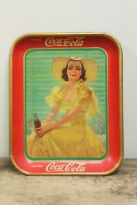 ORIGINAL VINTAGE COCA COLA TRAY GIRL IN YELLOW DRESS 1938 COSHOCTON US AMERICAN