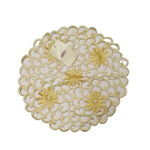 """Xia Home Fashions Daisy Splendor Embroidered Cutwork Round Doilies 12"""" Yellow"""