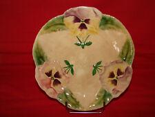 Ancienne assiette décorative en barbotine décor de pensées Choisy le Roi - Fleur