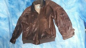 Expedition by Robert Comstock leather bomber jacket size 44