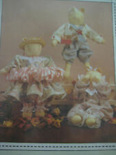 Primitive Folk Art Pattern 3 Kittens w/ Clothing 12