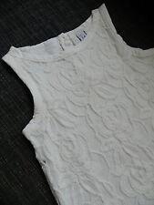Vestido blonda de zara. talla 8