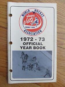 1972-73 Official WHA World Hockey Association WINNIPEG JETS Yearbook BOBBY HULL