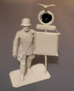 54mm German Ww2 Ceremonial Standard Bearer Lassett Model Figure